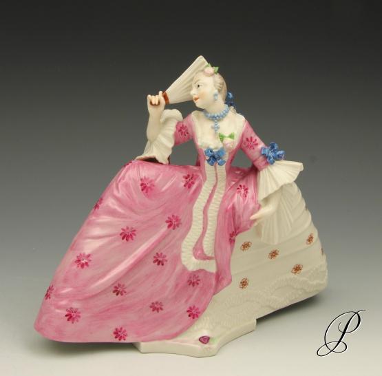 figur nymphenburg dame mit reifrock aus h fischer gesellschaft von bustelli porzellan porcelain. Black Bedroom Furniture Sets. Home Design Ideas