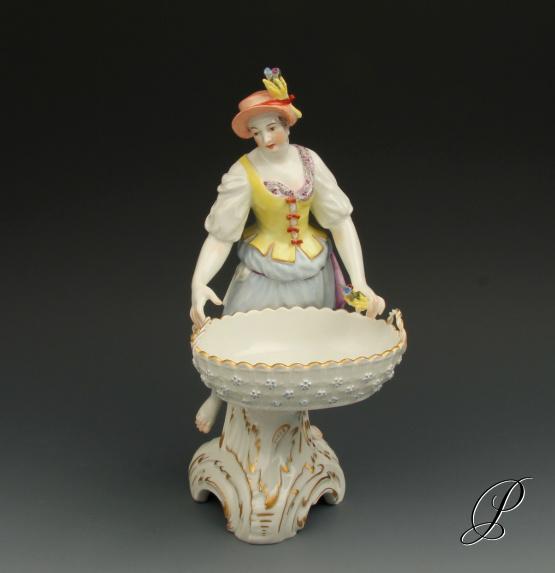 allegorische figur kpm berlin von friedrich elias meyer porzellan porcelain. Black Bedroom Furniture Sets. Home Design Ideas