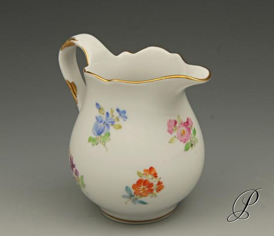sahnek nnchen meissen 1 wahl im dekor streublume porzellan porcelain. Black Bedroom Furniture Sets. Home Design Ideas