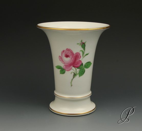 vase meissen im dekor rote rose porzellan porcelain. Black Bedroom Furniture Sets. Home Design Ideas